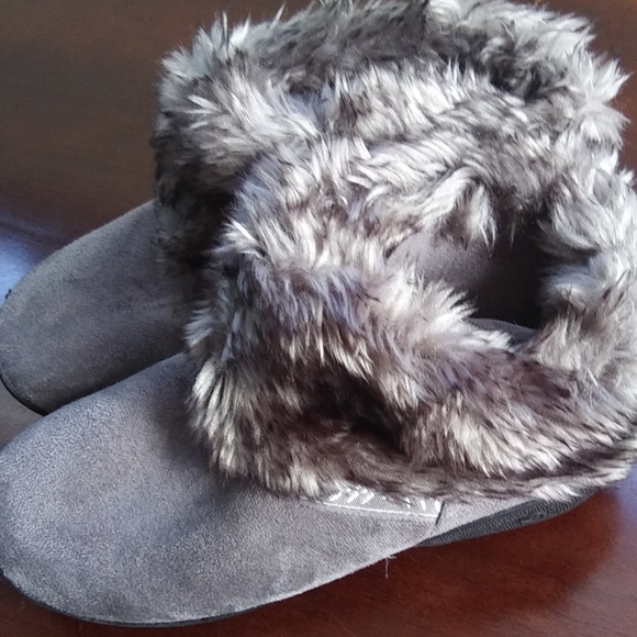 Isotoner Microsuede Addie Boot Slippers